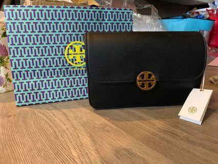 Tory Burch Chelsea cross body shoulder bag instock