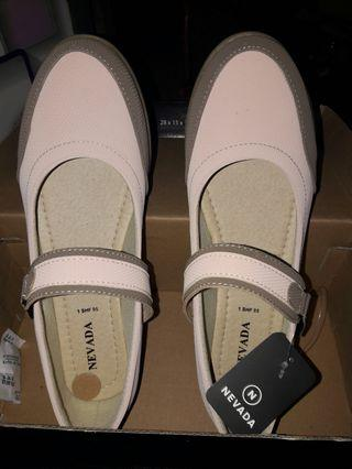 Sepatu pink brown Nevada