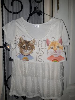 T-shirt cat layer