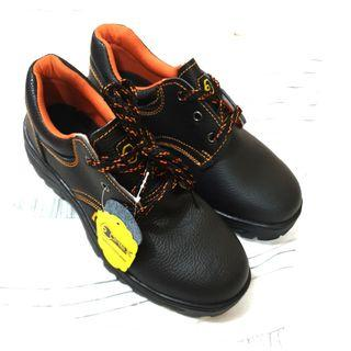 Man Safety Boots 👉any sizes available 👌