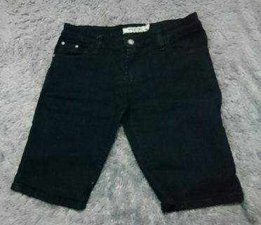 Celana Pendek (Jeans) Hitam