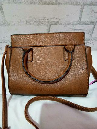 Sling bag Stradivarius Ori 💯