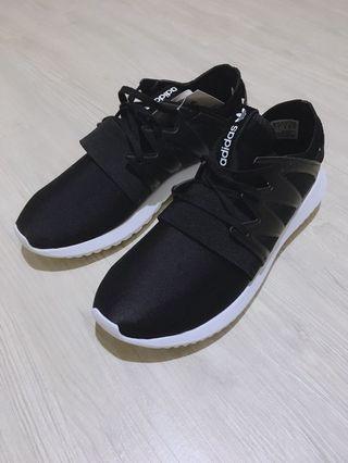 🚚 Adidas Tubular 白底黑鞋 23.5cm