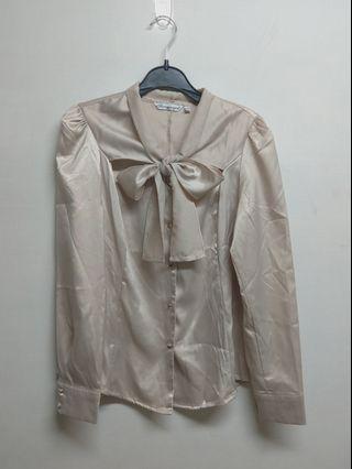 米(膚)色 襯衫