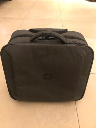 Cabin luggage - Delsey