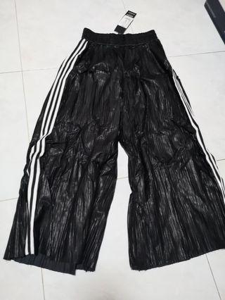 🚚 Black culottes