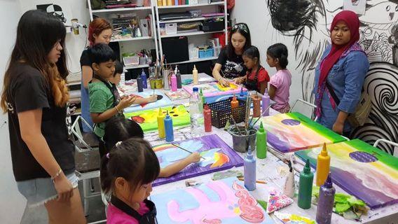 🚚 Art workshop