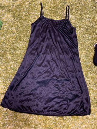 女裝黑色吊帶打底裙