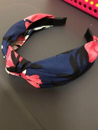 🚚 BN knot head band floral hairband