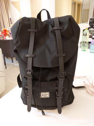 🚚 Herschel back pack