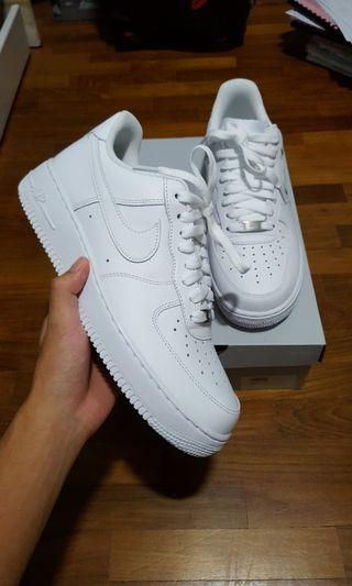 (REDUCED PRICE) BNDS Authentic Nike Air Force 1s '07 White US 9