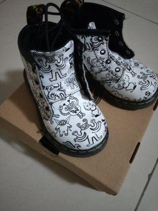 DR MARTENS SHOES (preloved authentic) #MGAG101