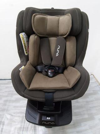 Nuna Rebl Isofix with 360 rotated car seat