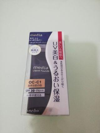 Media Liquid Foundation UV