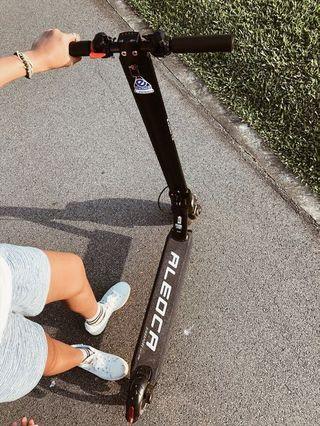 *URGENT Sale* Aleoca E Potenza Alloy Electric Scooter (black)