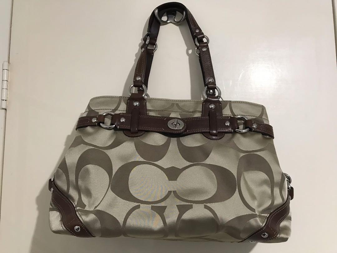 Beautiful genuine coach signature collection handbag NWOT