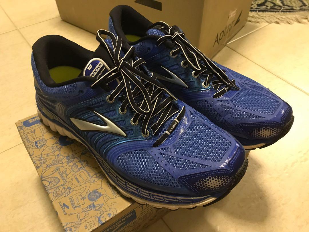 Brooks Running Shoes US 10.5 (lightly