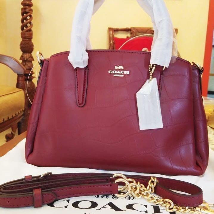 Coach Mini Bennet New aslinya cantik banget authetic with nomor seri (didalam tasnya)