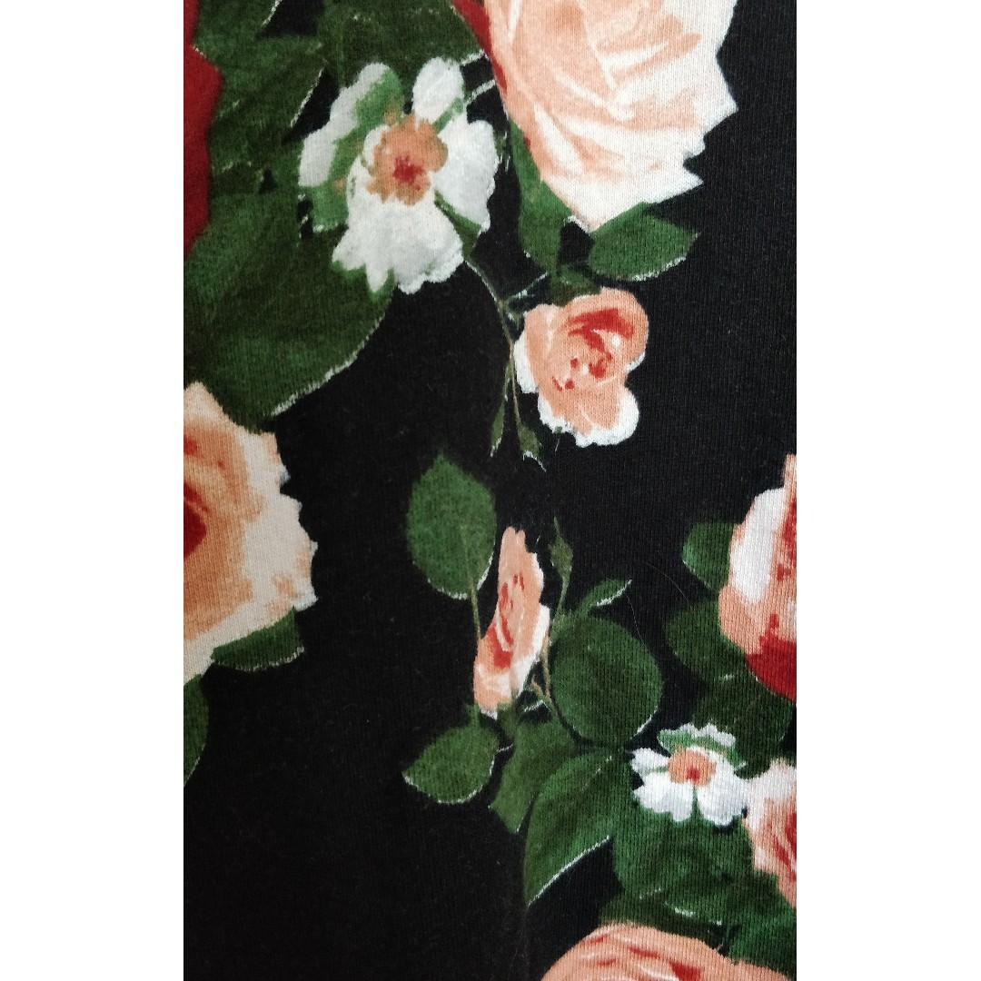 H&M Floral Pattern Crewneck with Side Pockets, Size S