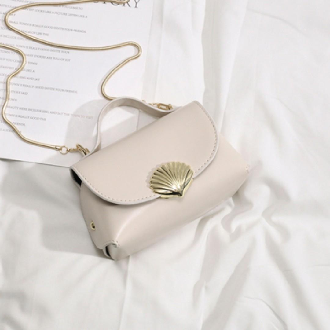 Pre-order- seashell and gold chain detailed rectangle bag