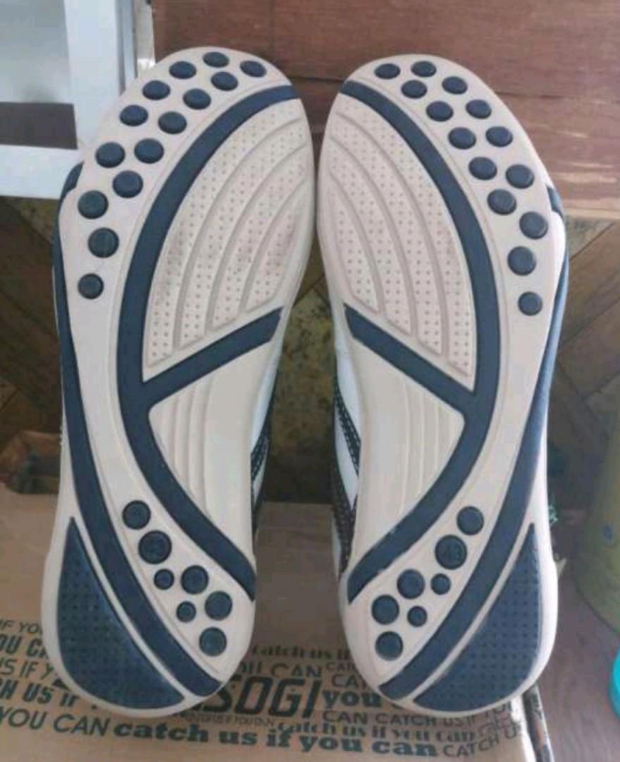 Sepatu kasogi ukuran 43