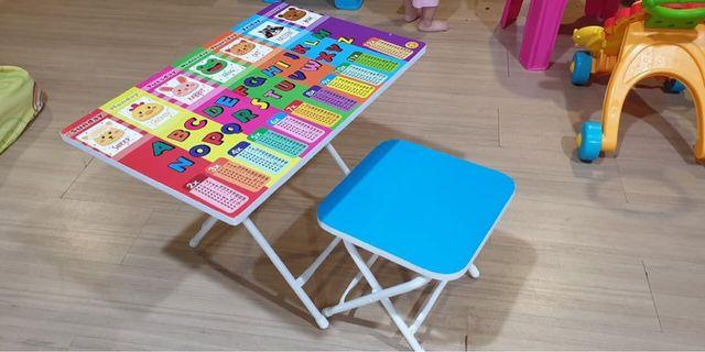 Kid's writing table and chair RM40. Condition 9/10. Barely use.