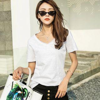 Loose fit heather white v neck tee