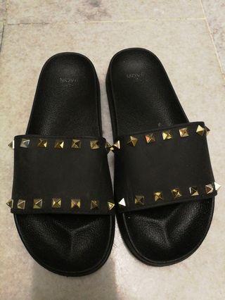 [free postage] Studded Black Sandals