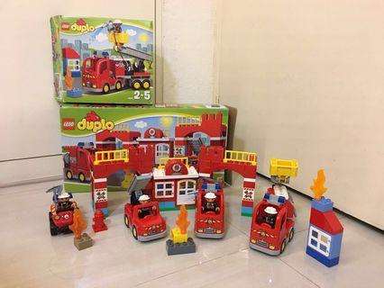 PL Lego Duplo Fire Station/ Trucks