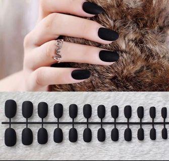 🚚 Black matte Nails
