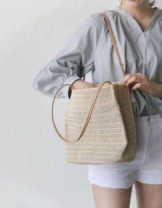 Woven straw rattan tote bag