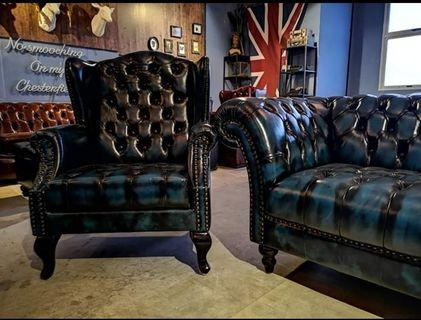 🚚 Chesterfield Armchair is wingchair