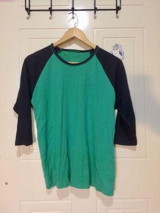 Green and navy cotton raglan tee S