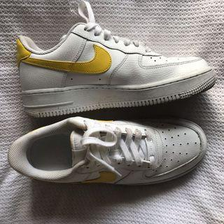 Air Force 1's Yellow Tick
