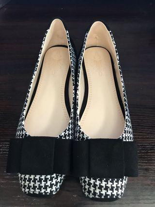 女裝大碼平底鞋(韓日系黑白千鳥格款)OL番工宴會謝師宴適用。