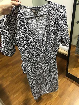 Banana Republic Wrap Dress Size 0