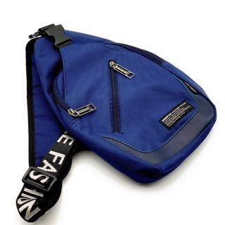 韓版男包肩包斜挎胸包 深藍色