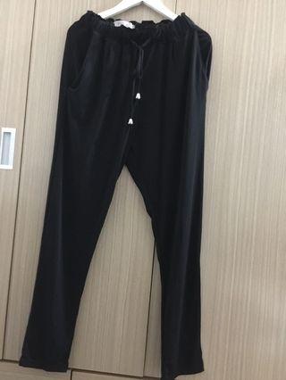 🚚 韓國 寬鬆彈性黑褲 原價1.2兩千購入