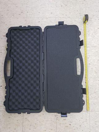 HARD PROTECTIVE BOX/CASE