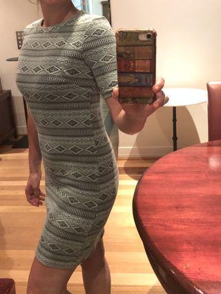 Divided bodycon dress geometric size 8