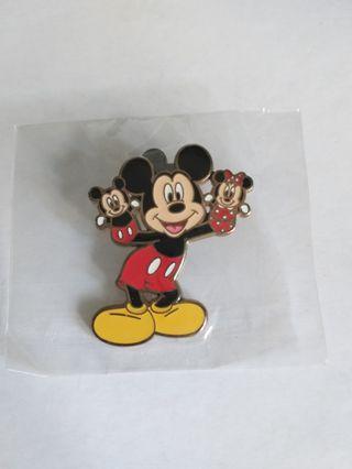 Disney pin Disney 迪士尼徽章 襟章(包郵)Mickey