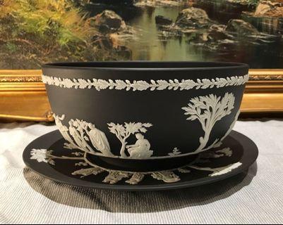 英國 Wedgwood Jasperware 罕有黑色浮雕陶瓷大碗和大碟