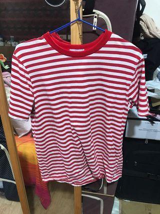 🚚 紅色條紋上衣