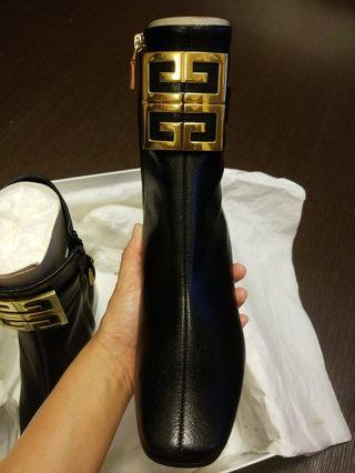 Givenchy 4G logo ankle boots 38