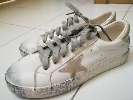 """#Carouselland """"Dirty"""" Shoes"""
