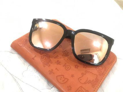 🚚 質感金邊黑框眼鏡