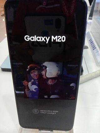 Samsung Galaxy M20, Baterai Besar