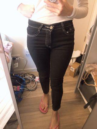 Dark navy (white line) pants
