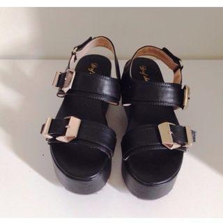 D+AF 金屬扣環厚底涼鞋 超便宜!!!!!!買到賺到