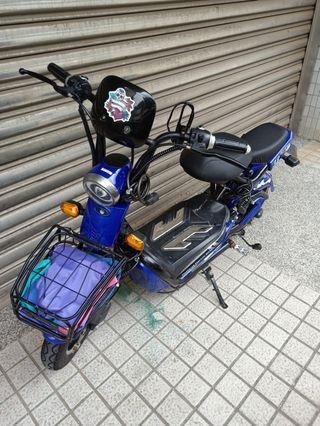 電動自行車 Electric bike + helmet ( good condition ) negotiate